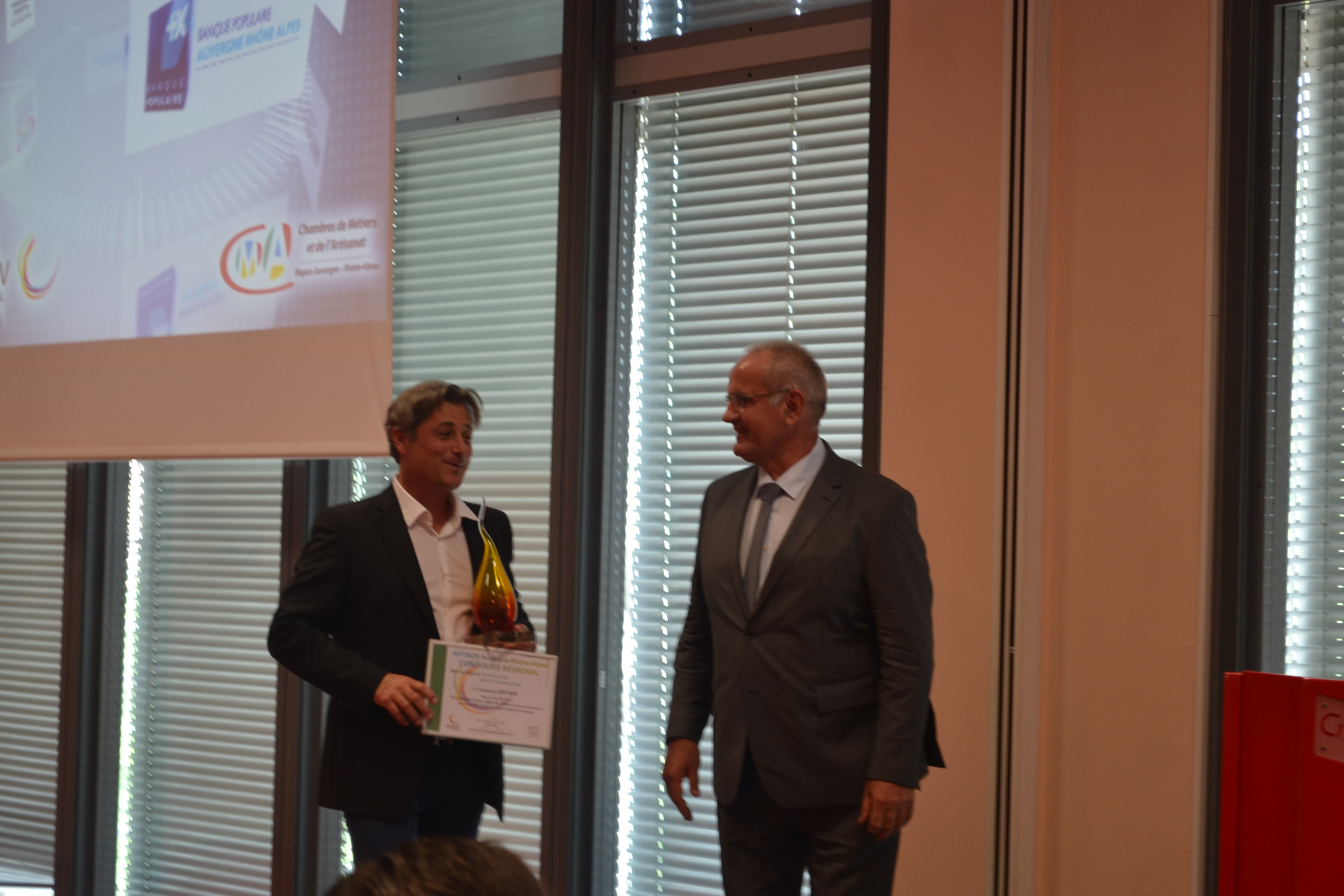 Deux laur ats artinov savoie 2016 sur le podium artinov for Chambre artisanat